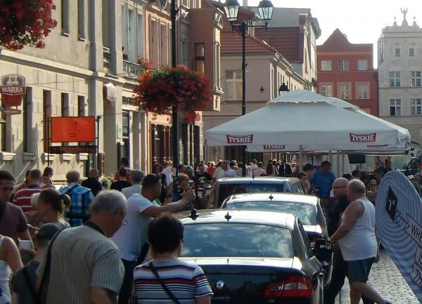 Scena uliczna w Toruniu