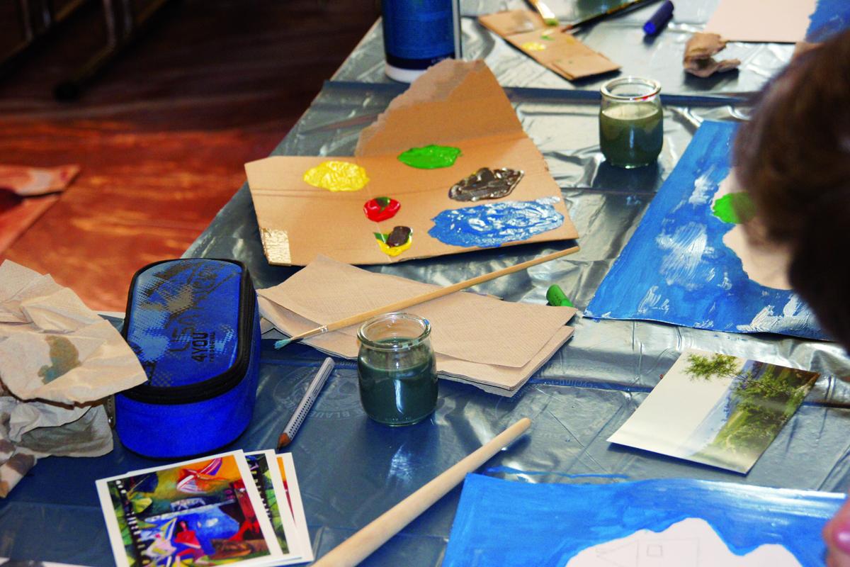 Kinderprogramm – Landschaftsmalerei. Malen mit Wasserfarben